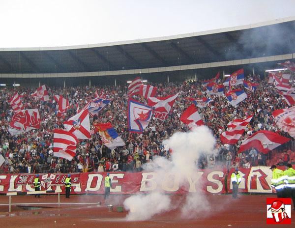 Ultras Choreos (Pyro, Flags, Smokes) Delije1